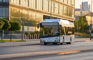 «Solaris» испытывает троллейбус с нижним токосьемом
