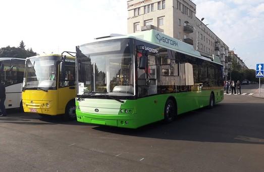 «Богдан Моторс» на Форуме регионов Украины и Беларуси показывает троллейбус и маршрутку