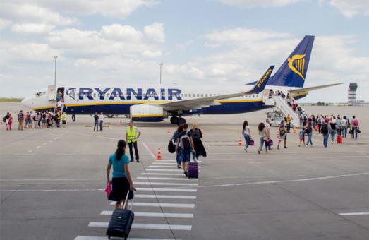 «Ryanair» запустит авиарейсы из Херсона и увеличит количество направлений из Харькова