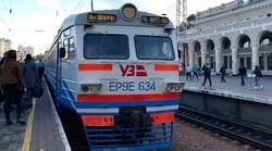 Капитально отремонтированная электричка ЭР9Е-634 возит пассажиров из Одессы в Белгород-Днестровский