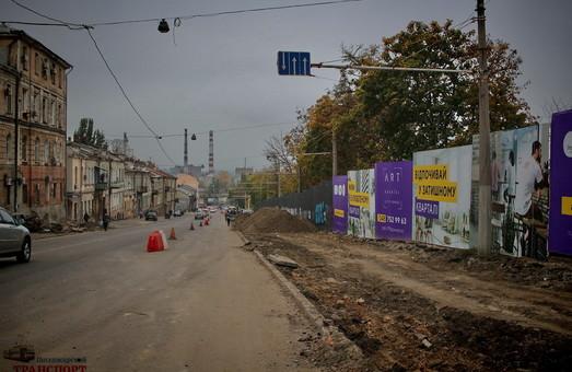Реконструкция спуска Маринеско в Одессе: трамвайные пути уже сняли (ФОТО)