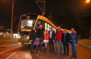 Самый большой одесский трамвай обещают выпустить на линию уже в ноябре