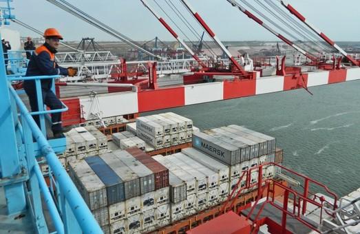 Компания «ТИС», которая работает в Одесской области, достигла рекорда в перевалке контейнеров