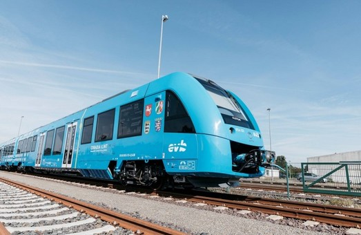 В Нидерландах испытывают электропоезд на топливных элементах