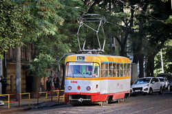 Одна из самых старых линий трамвая Одессы в Лютеранском переулке (ФОТО)