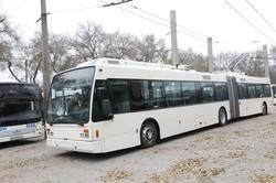 В Запорожье приехал первый троллейбус-«гармошка» (ФОТО)