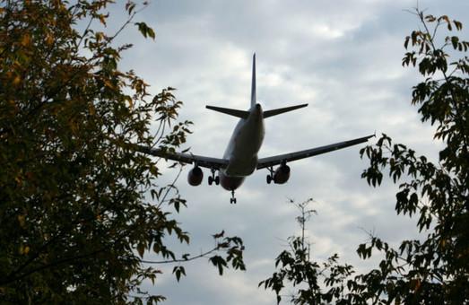 Девять стран Европейского Союза хотя ввести всеобщий налог на авиацию