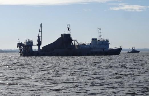 В Белгород-Днестровском порту в Одесской области выполняют дноуглубление на двух подходных каналах