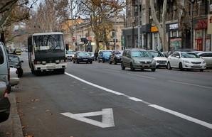 Как в Одессе водители соблюдают режим выделенной полосы для общественного транспорта (ФОТО)