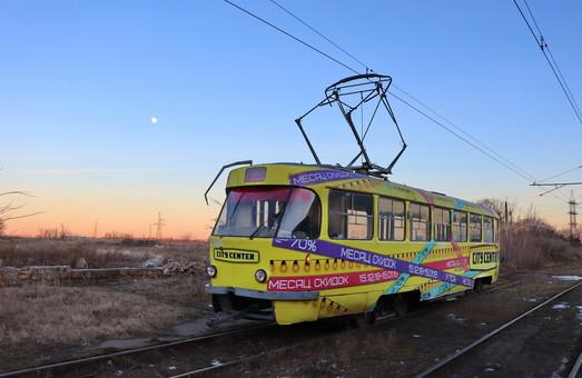 В Одессе упавшее дерево приостановило работу «камышового» трамвая