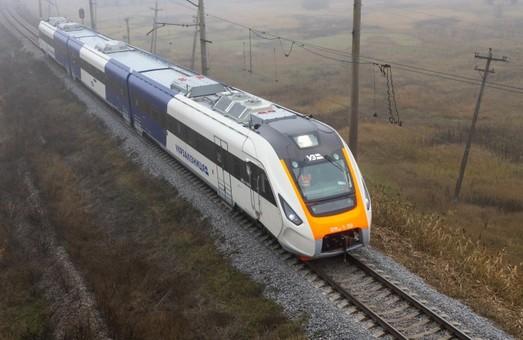 Новый дизель-поезд ДПКр-3 во время испытаний развил скорость в 140 километров в час