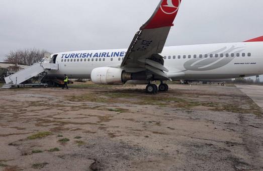 Турецкий «Boeing 737», который совершил жесткую посадку в Одессе, скорее всего спишут