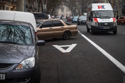 Со вчерашнего дня на улице Ришельевской в Одессе действует выделенная полоса для общественного транспорта