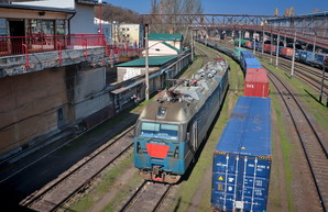 Из порта Пивденный под Одессой в Чернигов запустили контейнерный поезд