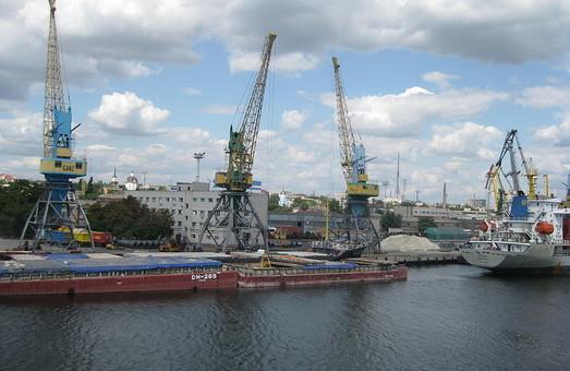Херсонский морской порт выполнил план по перевалке грузов на 2019 год