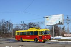 В Запорожье просят сохранить старейший в Украине троллейбус ЗиУ-9