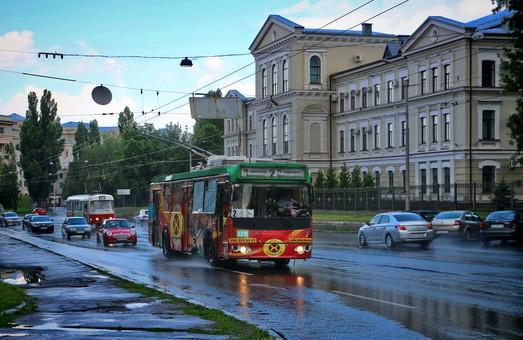 В коммунальном транспорте Харькова проезд можно будет оплатить банковской картой