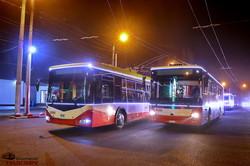 По улицам Одессы проехали яркие новогодние троллейбусы (ФОТО, ВИДЕО)