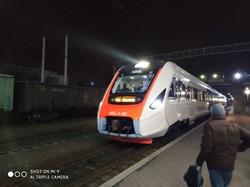 Новый дизель-поезд ДПКр-3 выполнил обкаточный рейс по маршруту Кременчуг – Тернополь (ФОТО)