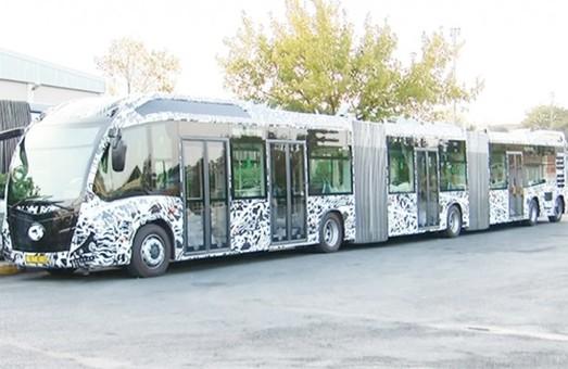 На улицах Стамбула появились автобусы-гиганты