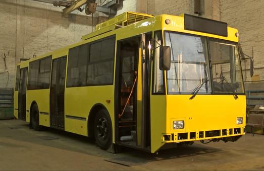 В Полтаве «обрезали» последний троллейбус-«гармошку» ЮМЗ Т1 (ФОТО)