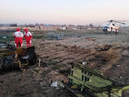 Украинским авиакомпаниям временно запретили полеты над Ираном