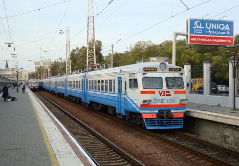 За весь 2019 год украинские железные дороги отремонтировали всего 8 электричек