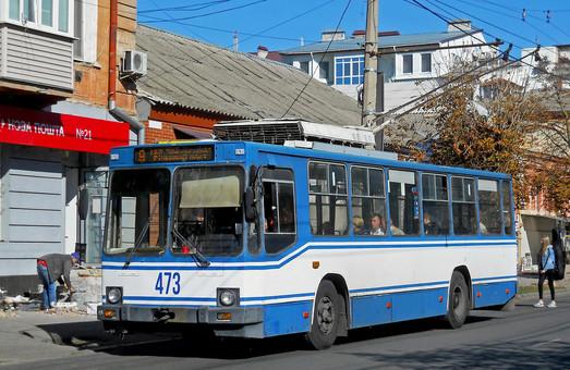 В Херсоне могут отключить поставку электроэнергии троллейбусам