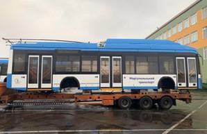 Новые белорусские троллейбусы для Мариуполя застряли на таможне в Луцке
