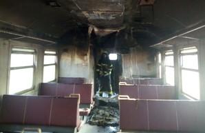 В Киеве на Борщаговке загорелся вагон электрички