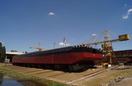 «Украинское Дунайское пароходство», базирующееся в Одесской области, хочет заниматься перевозкой грузов по Днепру