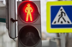 Жителям Индустриального района Харькова обещают новые павильоны на остановках и новые светофоры