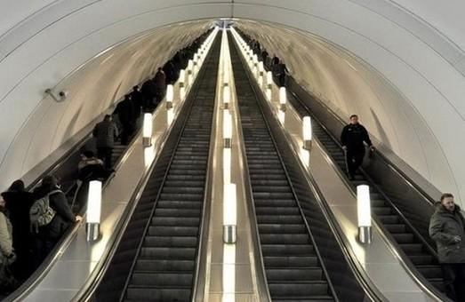 В Киеве будут ремонтировать эскалаторы на станции метро «Майдан Независимости»