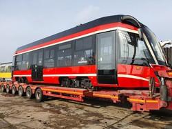 В Познани показали первый трамвай для системы «Силезские трамваи»
