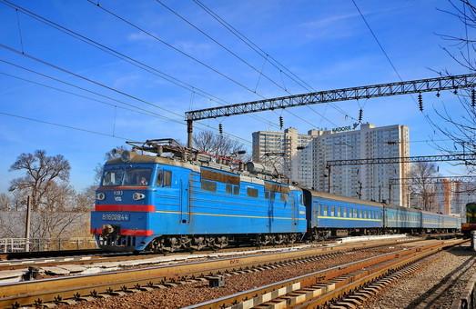 """Поезд """"Черноморец"""" из Одессы в Киев стал самым прибыльным на железной дороге"""