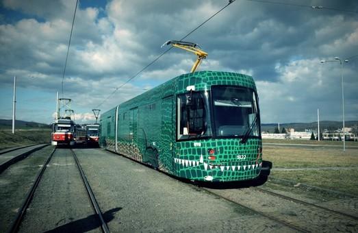 В чешском городе Брно представили первый трамвай EVO2