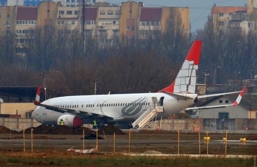 Турецкий «Boeing», совершивший аварийную посадку в аэропорту Одессы, уже начали разбирать