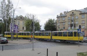 Во Львове на одном из маршрутов снова курсируют системы из двух трамвайных вагонов