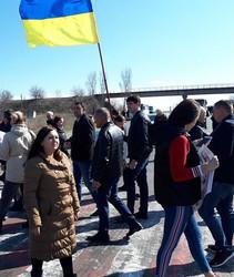 Жители Беляевки Одесской области перекрывали автотрассу на Кишинев, требуя ремонта автодороги на Широкую Балку.