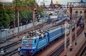 Из-за кражи кабеля под Одессой задержались семь пассажирских поездов