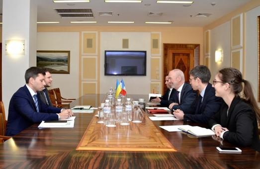 В Министерстве инфраструктуры хотят привлечь французские компании к модернизации железнодорожной инфраструктуры Украины