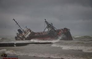 Суд отпустил под личные обязательства капитана танкера «Delfi», потерпевшего кораблекрушения в Одессе