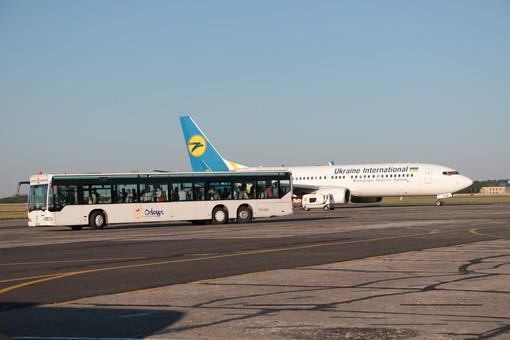 Украина закрывает все международные авиарейсы из-за пандемии коронавируса