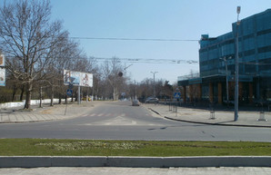В Одессе на улице Академической капитально отремонтируют тротуар и создадут «карманы» для парковки