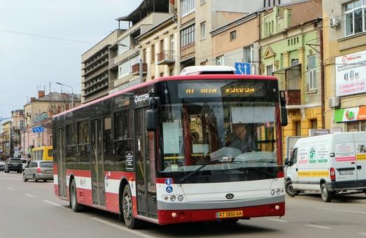 В Ивано-Франковске с завтрашнего дня полностью прекращается работа общественного транспорта
