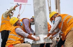 Между Китаем и Лаосом строят железную дорогу