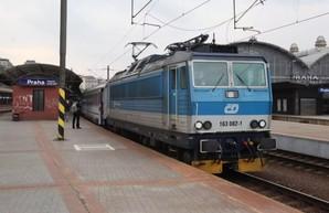 Для граждан Украины организовали эвакуационные поезда из Чехии
