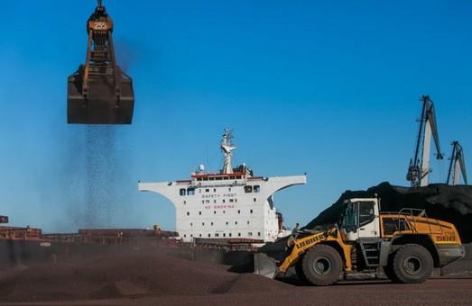 Государственный стивидор порта Пивденный под Одессой досрочно выполнил квартальный план по перевалке грузов