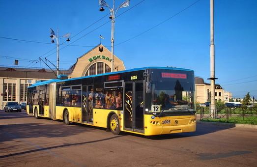 Общественный транспорт Киева сократился до 6 маршрутов трамвая, 5 троллейбусных и 6 автобусных маршрутов