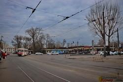 Одесский транспорт на карантине: забитый поездами вокзал и пустые автостанции (ФОТО)
